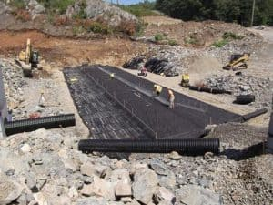 Construction of the floor of an infiltration pad.